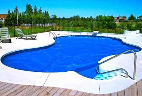 Рассказ в бассейне фото 310-440